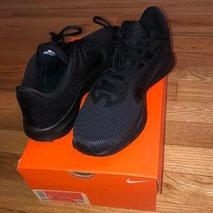 ✨👟 Brand New Woman's Running Sneakers 👟✨